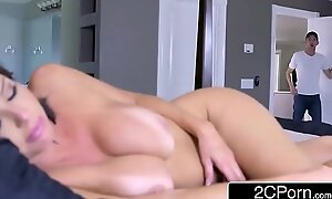 Sexy milf veronica avluv can not reside relish in big strapon
