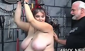 Exquisite flirt forces sextoy less her mean pussy